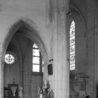 Vue partielle du bras nord du transept vers le nord-est (1980)