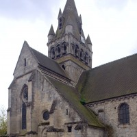 Le bras nord du transept et le clocher vus du nord-ouest (2016)