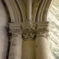 Retombée des voûtes du bas-côté sud au droit d'un pilier associé à la tour, vers l'ouest (1997)