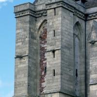 Les parties hautes de la tour sud vues du sud-est (1997)