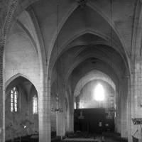 L'intérieur vu vers le sud-ouest depuis le choeur (1997)