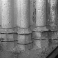 Bases d'un pilier de la nef (1995)