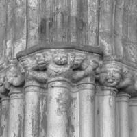 Chapiteaux d'un pilier de la nef (1995)