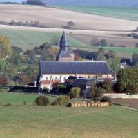 L'église dans son environnement vue du sud (1996)