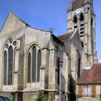 L'ensemble choeur/transept et le clocher vus du sud-est (2015)