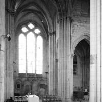 Vue partielle du transept vers le nord