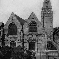 L'ancienne église avant sa destruction par le bombardement de mai 1940