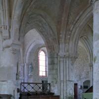 Vue partielle du choeur et de la chapelle sud vers le sud-ouest (2001)