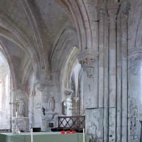 Vue partielle du choeur vers le sud-est depuis la base du clocher (2001)
