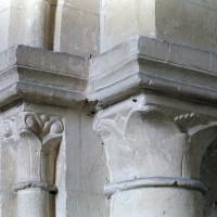 Chapiteaux de l'arcade de la chapelle sud (2001)