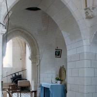 La base du clocher vue vers le sud-ouest depuis la chapelle nord (2001)