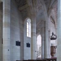 Le bas-côté nord vu vers le nord-est depuis la nef (2001)