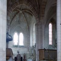 La croisée et le bras nord du transept vu vers le nord-est (2001)