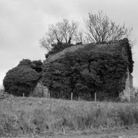 Les ruines de l'église vues du sud (1972)