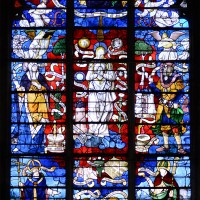 Vitrail du 16ème siècle de l'Immaculée Conception ou de la Vierge Marie à la première chapelle nord du choeur (2016)