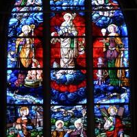 Vitrail du 19ème siècle de saint Samson à la première chapelle sud du choeur (2016)