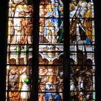 Vitrail du 19ème siècle de saint Louis à la chapelle sud de la nef (2016)