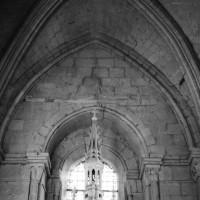 Vue partielle du choeur et de sa niche d'autel