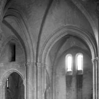 Vue partielle du transept et du choeur vers le sud-est (1979)