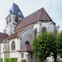 Le clocher et le choeur vus du sud-est (2008)