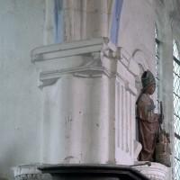 Retombée des voûtes à l'angle nord-ouest de l'abside (2008)