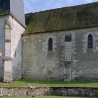 La base du clocher et la nef vues depuis le nord (2003)
