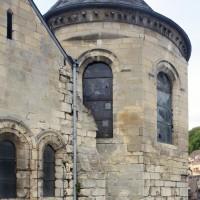 Le choeur du 12ème siècle et celui du 13ème vus du sud-est (2015)