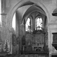 Le choeur du 13ème siècle vu vers le sud-est.