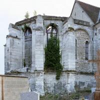 Les ruines du choeur vues du nord-est (2008)