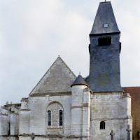 Vue partielle de l'église depuis le nord (2008)
