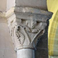 Le chapiteau de l'arcade romane de la dernière travée du mur gouttereau sud de la nef (2016)