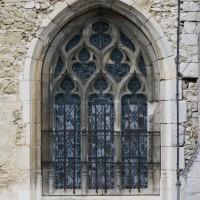 Fenêtre du mur sud du bas-côté de la nef (2015)