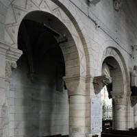 Deux arcades du mur nord de la nef vues vers le nord-est (2017)
