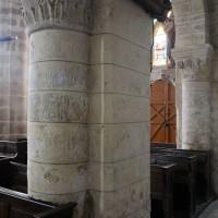Piles romanes du mur nord de la nef vues vers le sud-ouest depuis le bas-côté nord (2017)