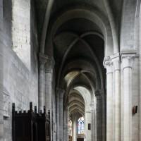 Le bas-côté nord de la nef vu vers l'est (2015)