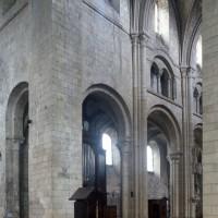 L'élévation sud des deux dernières travées de la nef vue vers le sud-ouest (2015)
