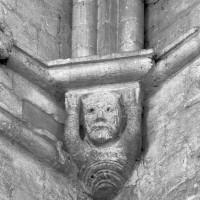 Cul-de-lampe à la retombée d'une voûte du transept (1995)