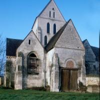 Les parties est de l'église vues du sud-est (1997)