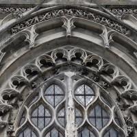 Le tympan vitré du portail (2016)