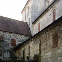 Vue partielle de la nef et du bras nord du transept depuis le nord-ouest (2016)