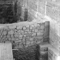 Les fondations du mur gouttereau sud de la nef (1974)