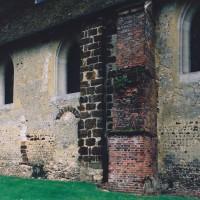 Vue partielle du mur nord de la nef depuis le nord-ouest (2003)