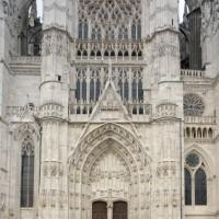 Vue partielle de la façade du bras sud du transept (2015)