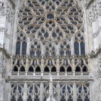 La fenêtre et la rose de la façade du bras sud du transept (2015)