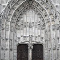Le portail de la façade du bras sud du transept (2015)