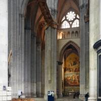 Vue partielle du bas-côté sud du choeur et est du bras sud du transept vers l'est (2015)