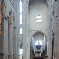 Vue partielle du choeur et de la croisée du transept vers le sud-ouest (2015)