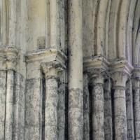 Retombées de la voûte à l'angle sud-est du bas côté est du bras sud du transept (2015)
