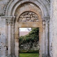 Le portail d'accès à la tribune de la chapelle (1991)