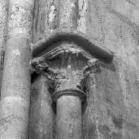 Chapiteau du 13ème siècle dans le bras nord du transept (1994)